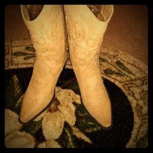 Woman's Cowboys Boots